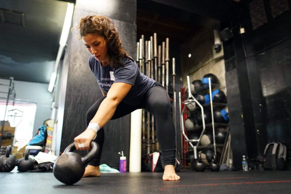The 2 Most Common Errors in Kettlebell Swing Set-up