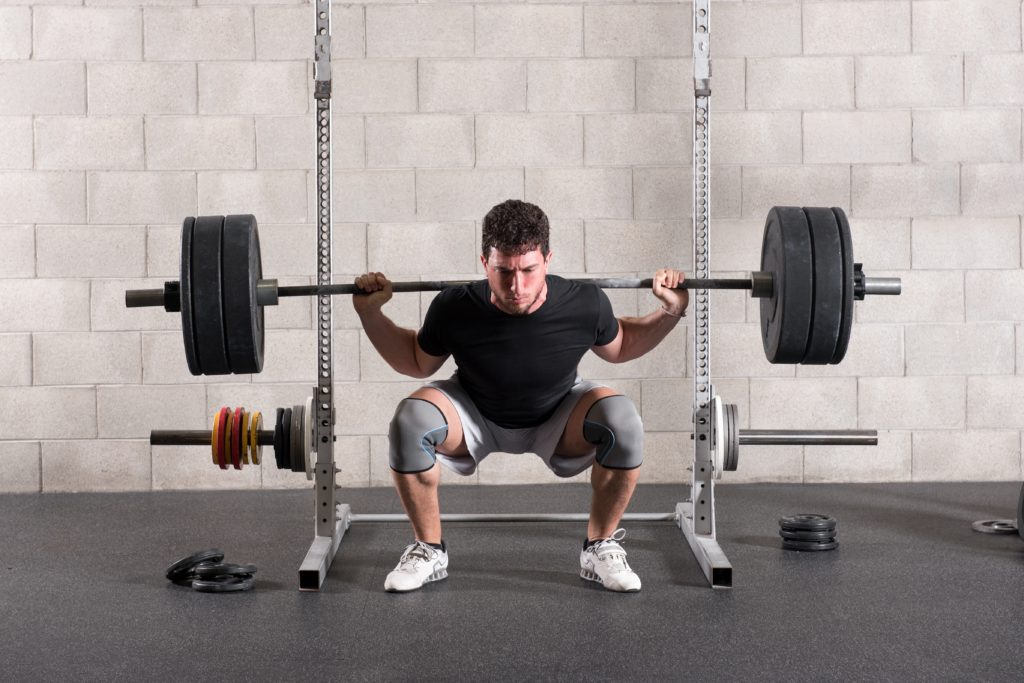 sleeve squat close