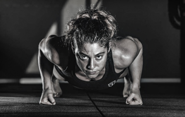 ilaria Scopece power pushup