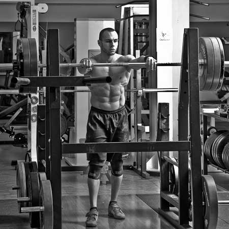 Stefano preparing at the rack before next lift