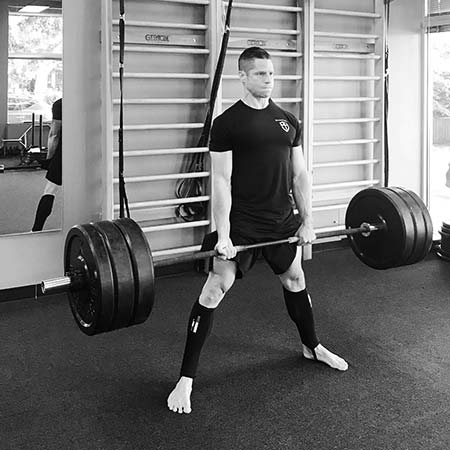 Mike Torres performing the deadlift