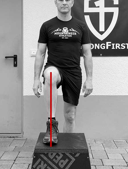 The proper step-up leg alignment